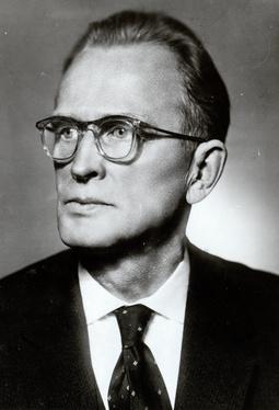 Евгений Григорьевич Бобров